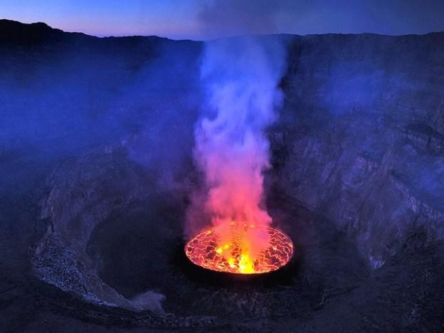 Самые опасные вулканы в мире скачать