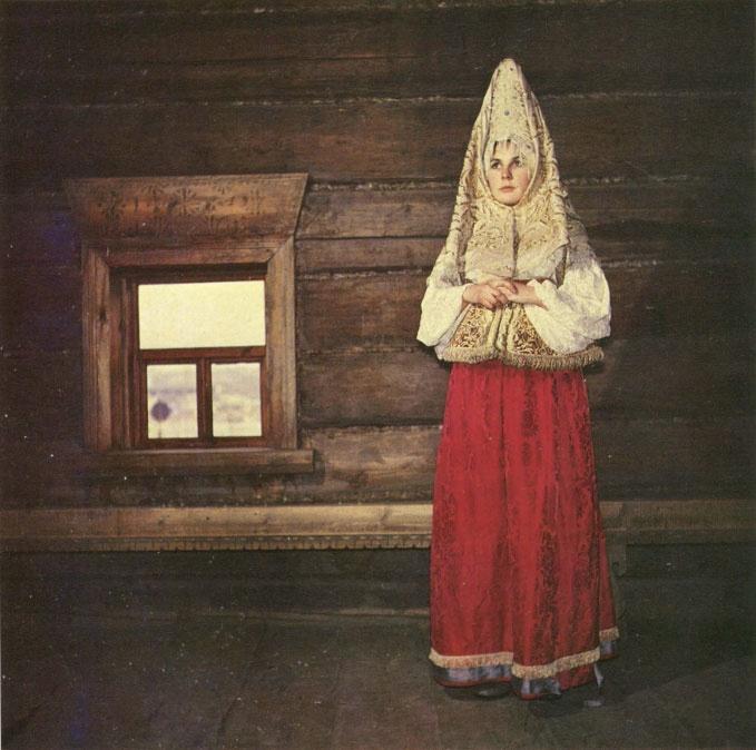 Фата с красное платье