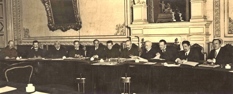 временное правительство 20 века сцены горячего