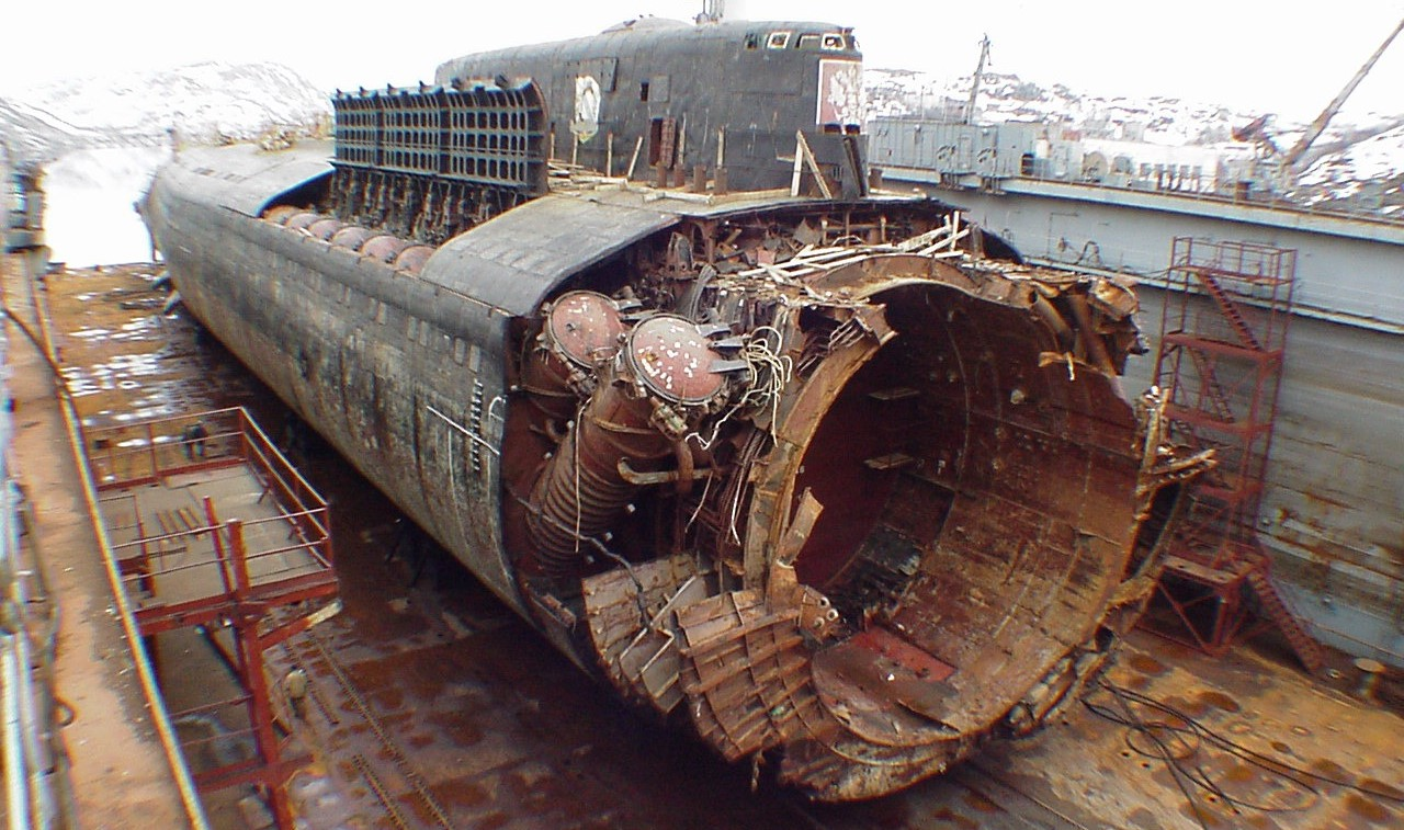курск подводная лодка сколько погибших