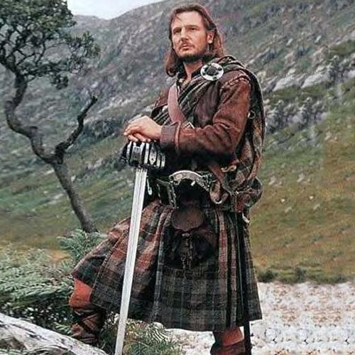 Шотландцы носят юбки без
