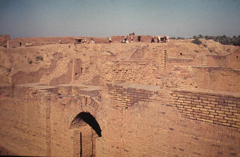 Руины Вавилона, 1975 г.