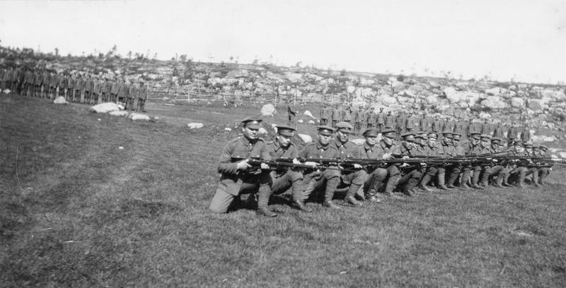 Солдаты Карельского легиона в британской форме во время учений Источник: iwm.org.uk