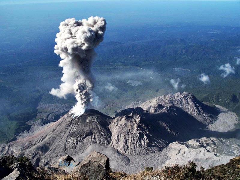 Вулкан Санта-Мария.