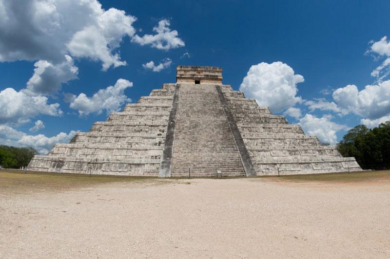 Пирамида в Чичен-Ице.