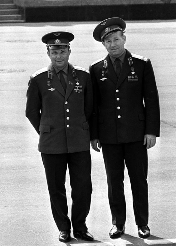 yuri gagarin and neil armstrong - photo #19