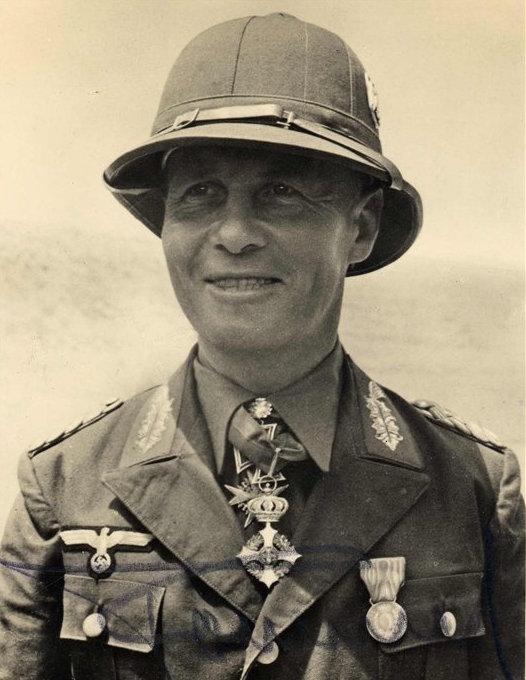 Эрвин Роммель во время боевых действий вАфрике.
