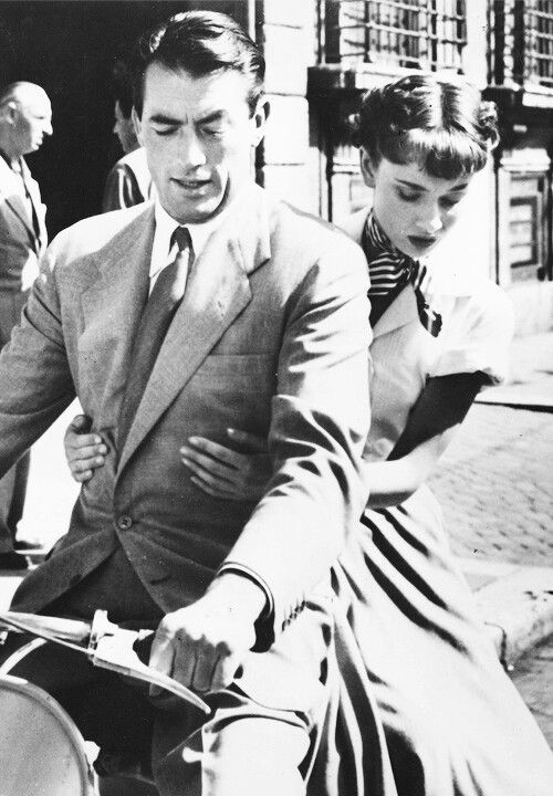 14 Gregory Peck and Audrey Hepburn Roman Holiday 1953.jpg