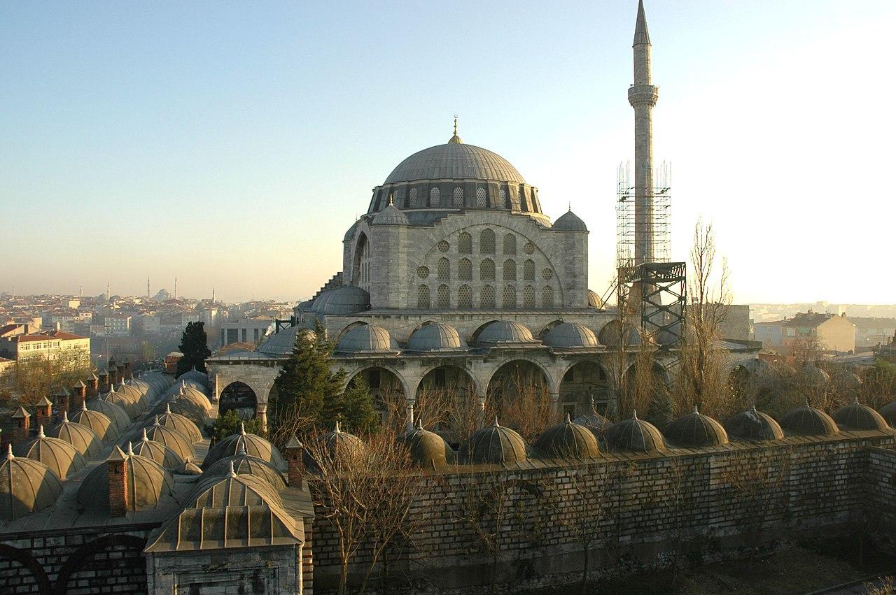Мечеть Михримах-султан в Эдирнекапы.JPG