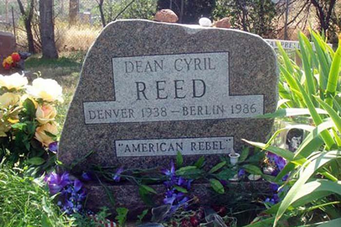 Могила Дина Рида в Боулдере, США. <br>