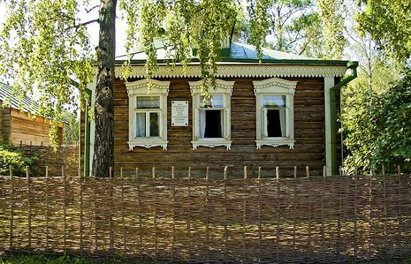 Дом Есениных в Константиново.