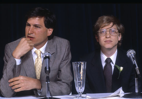 Steve-Jobs-vs-Bill-Gates-1985.jpg