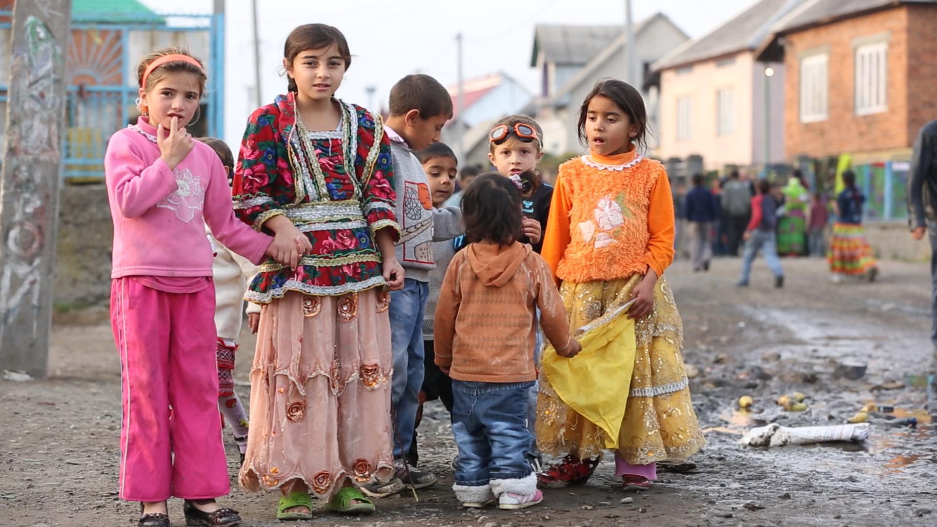 Как лишают невинности цыган фото 627-18