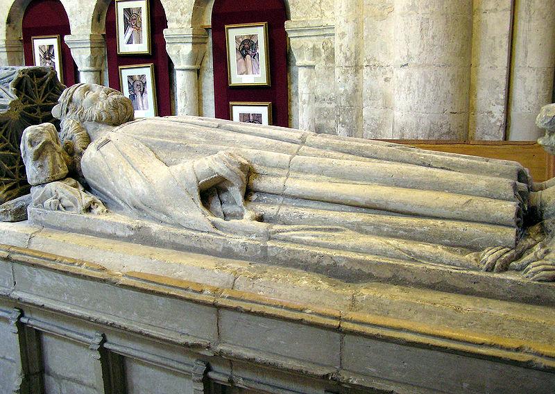 фото 3 Надгробие Этельстана в аббатстве Мальмсбери.jpg
