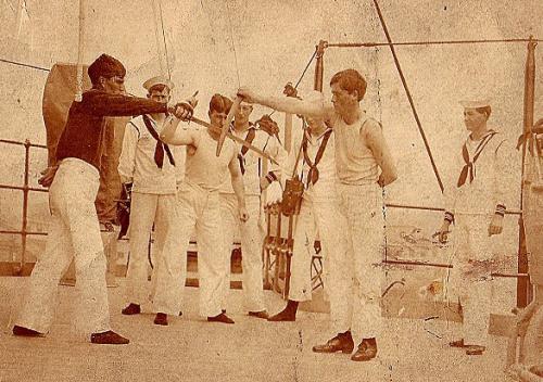 Фото 4. Уроки фехтования абордажнои саблеи американских моряков (1900 год)..jpg