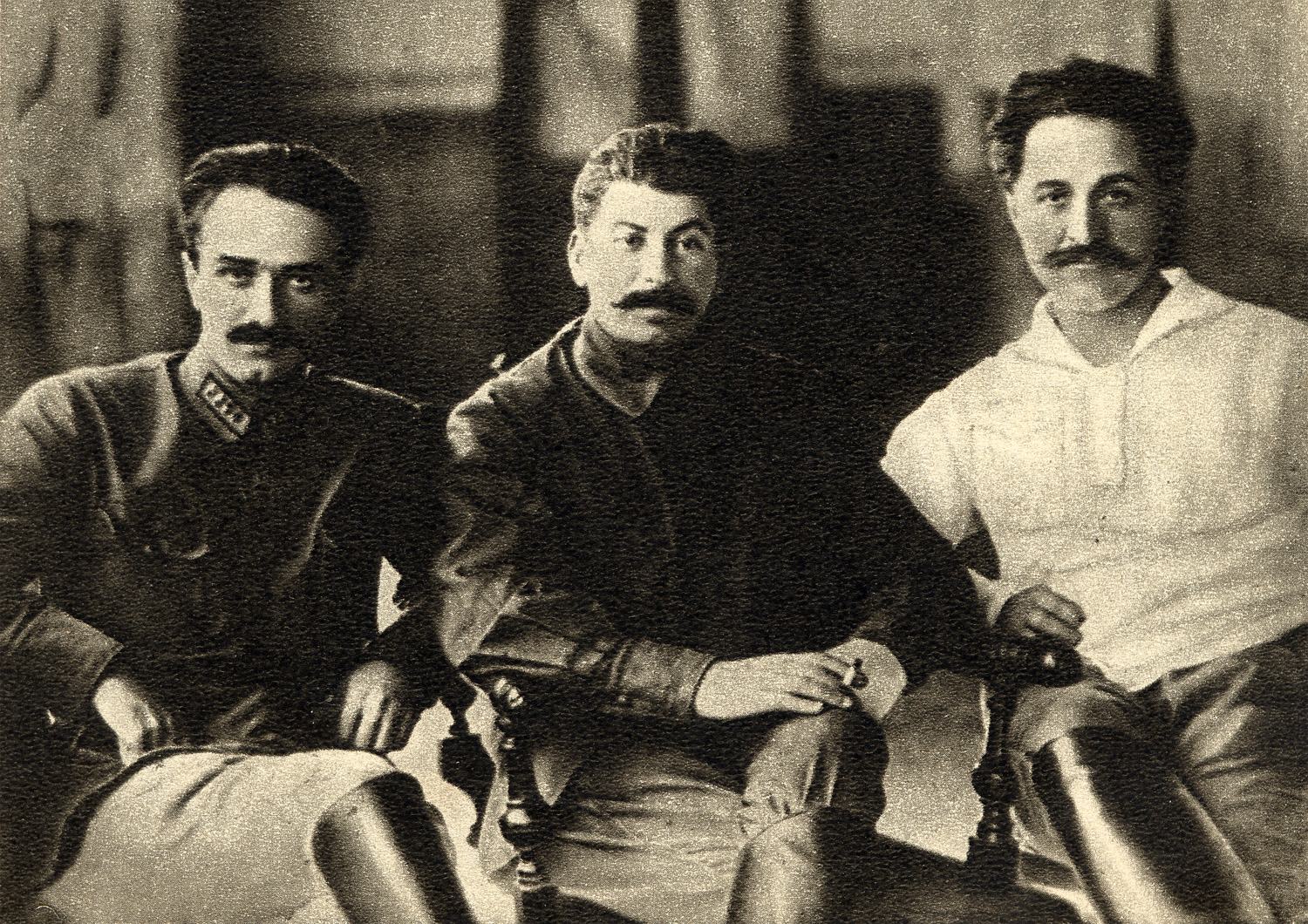 Ordzhonikidze,_Stalin_and_Mikoyan,_1925.jpg