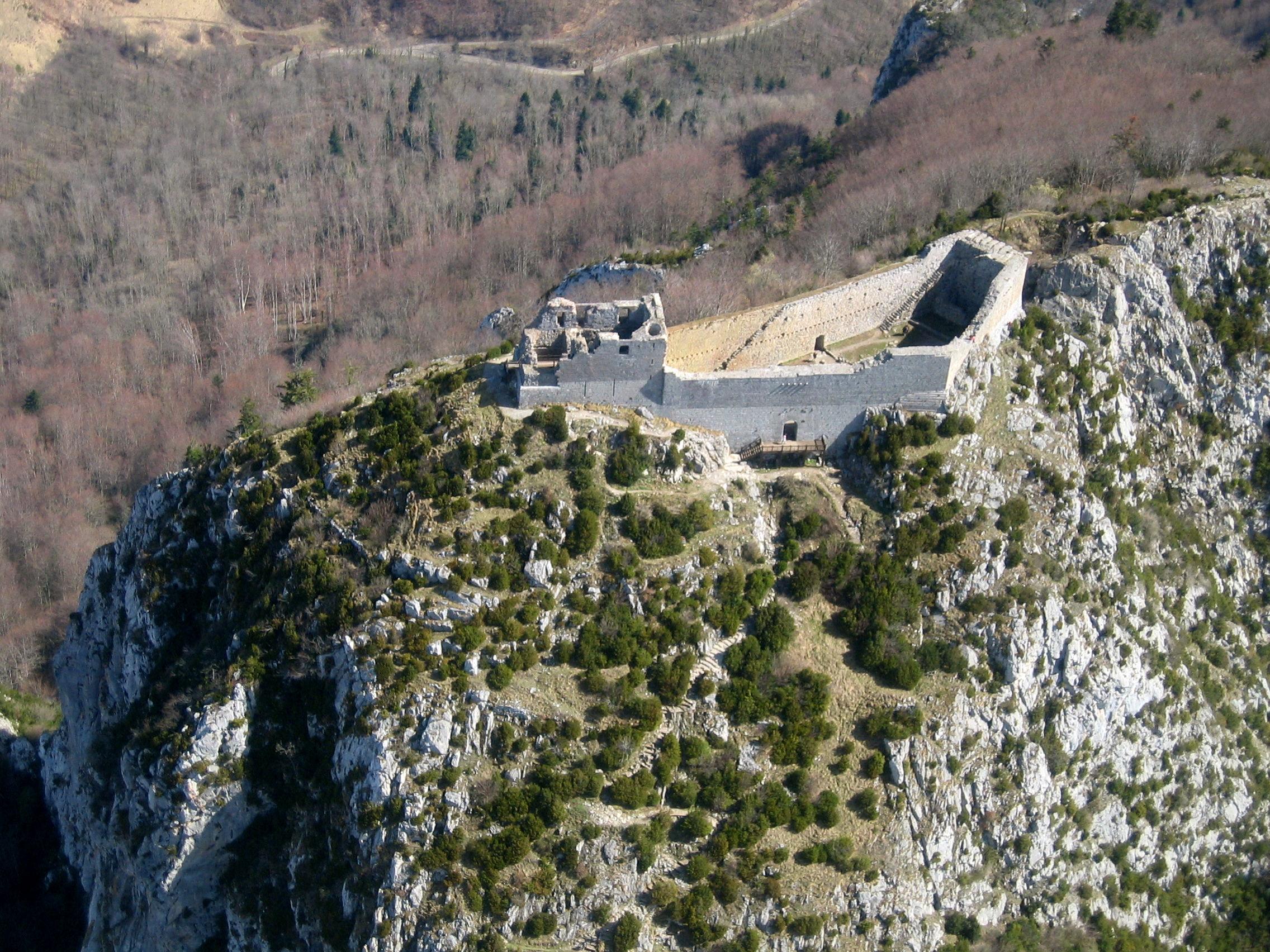 Развалины крепости Монсегюр.