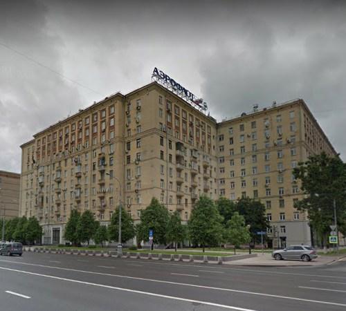 Дом на Кутузовском проспекте, где произошло убийство. <br>