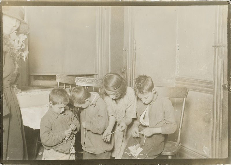 800px-Child_Labor_in_New_Jersey_United_States_1923.jpg
