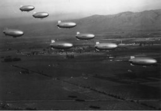 Blimps flying over Moffett Field during World War II..png