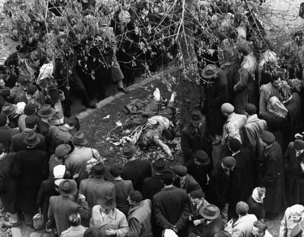 Картинки по запросу После линчевания. В октябре 1956 года в Венгрии вспыхнуло восстание против режима Матьяша Ракоши, тогдашнего лидера партии и страны, которого называли «лучшим учеником Сталина». Картинки.