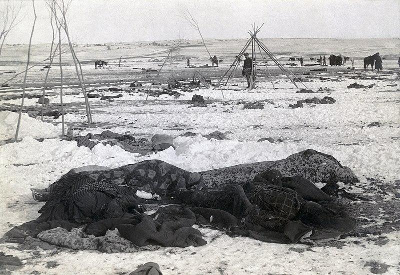 Тела погибших, фото сделано в начале января 1891г.