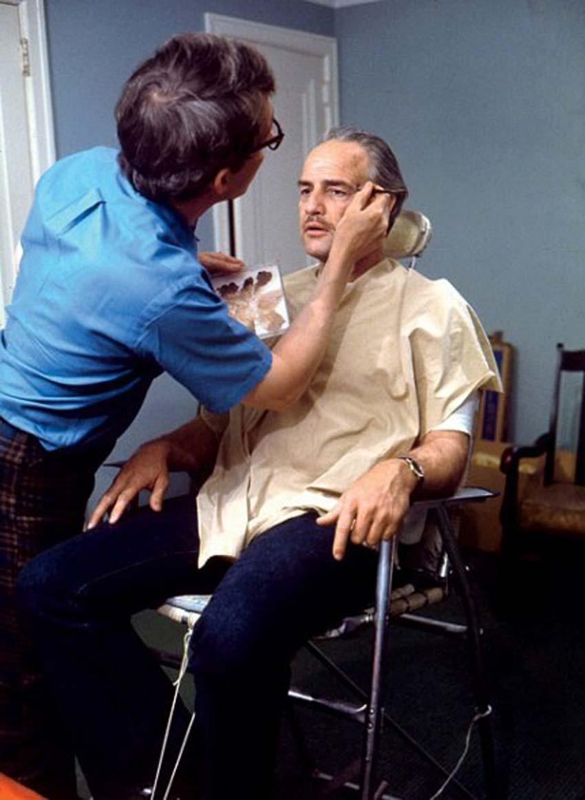 1440396765_makeup-artist-dick-smith-turns-brando-into-don-corleone.jpg