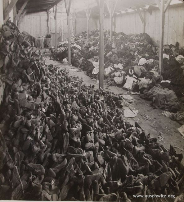 Pilesofpersonalbelongingsleftaftermassextermination.(Auschwitz.jpg