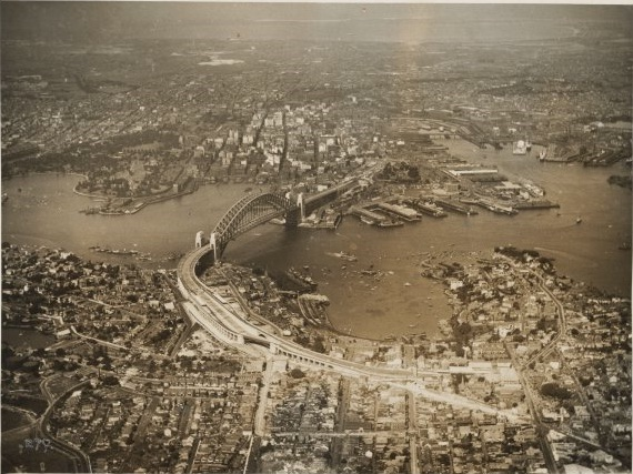 Sydney Harbour in 1932.jpg