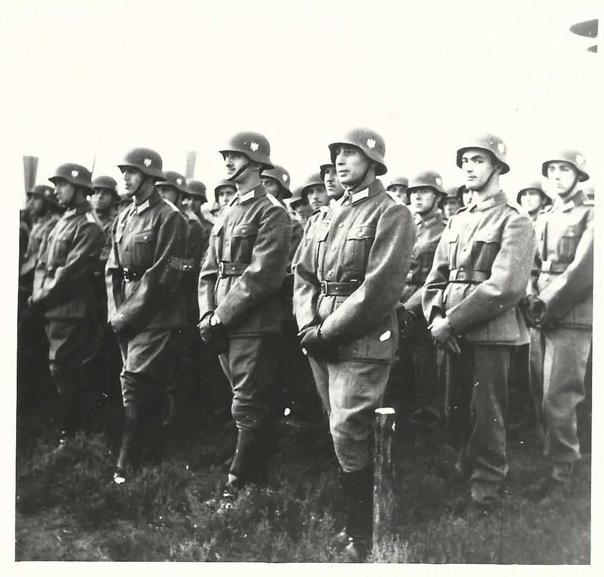 Солдаты Голубой дивизии.
