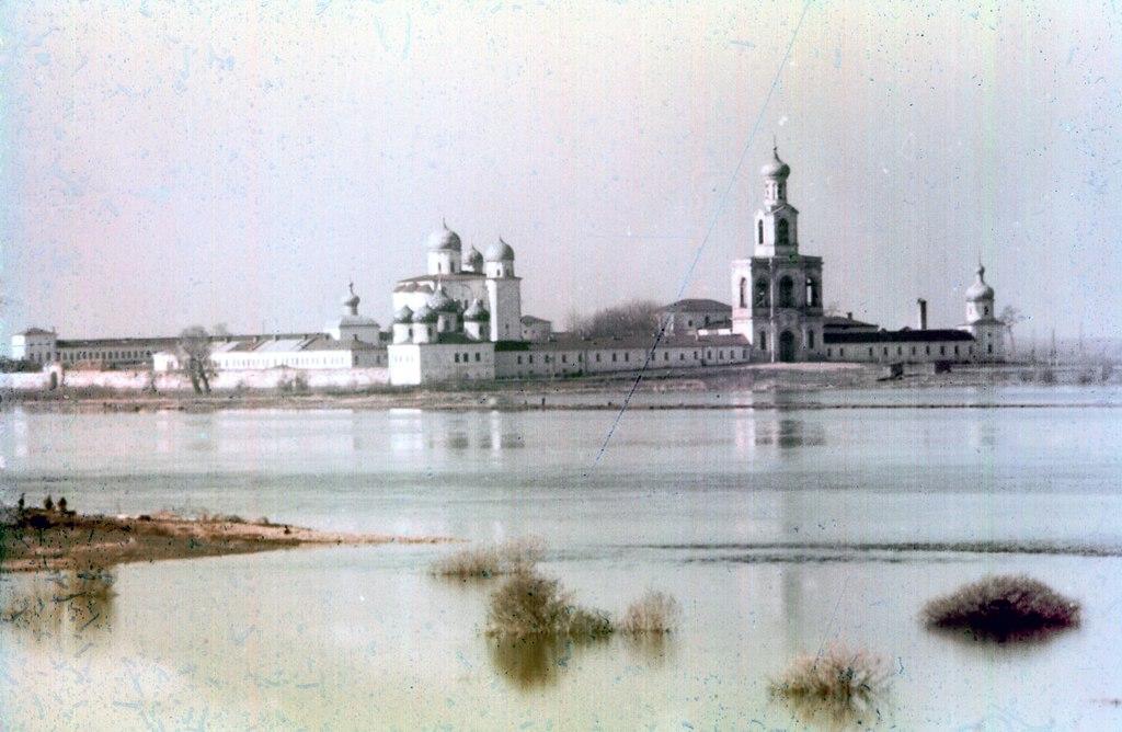 Юрьев монастырь в 1975 году.