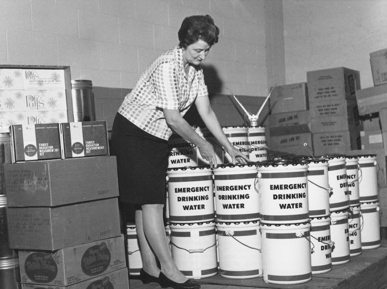 Shelter-supplies-in-Robers-Dairy-Companys-personnel-fallout-shelter-e1431283039946.jpg