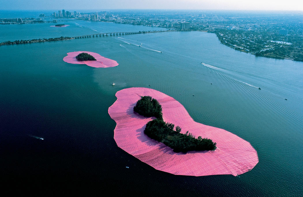 conceptual art christo and jeanne claude Complete coverage of the gates, a public work of art by christo & jeanne claude, in new york's central park video, photos and sample drawings of the gates are included.