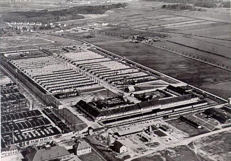 LuftaufnahmedesehemaligenKonzentrationslagersDachau1956.Aphotographfrom1956oftheformerKZDachau.jpg