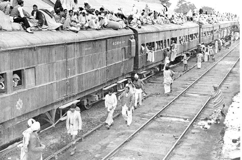 Беженцы на пути вПакистан, 1947 год.