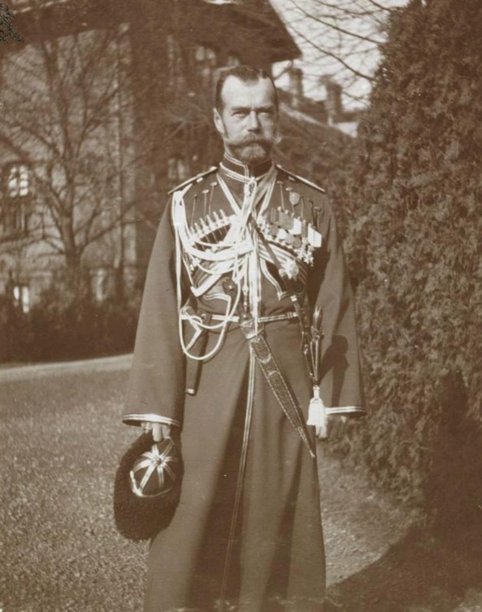 Фото 5. Николай II с камой на поясе.jpg