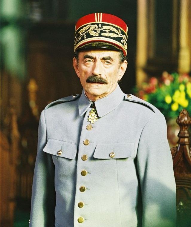 Ришар Боринже в роли Жанена вфильме «Адмирал», 2008.