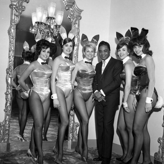 Певец Джеки Уилсон в Playboy Club вНью-Йорке. <br>