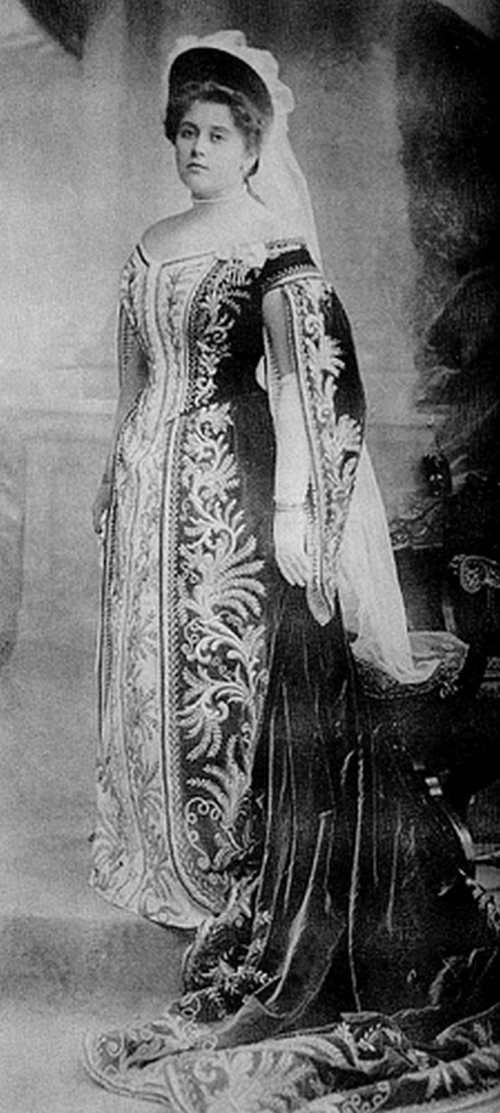 Анна Танеева на костюмированном придворном балу в Эрмитаже, 22 января 1903 года.  Источник: wikipedia.org