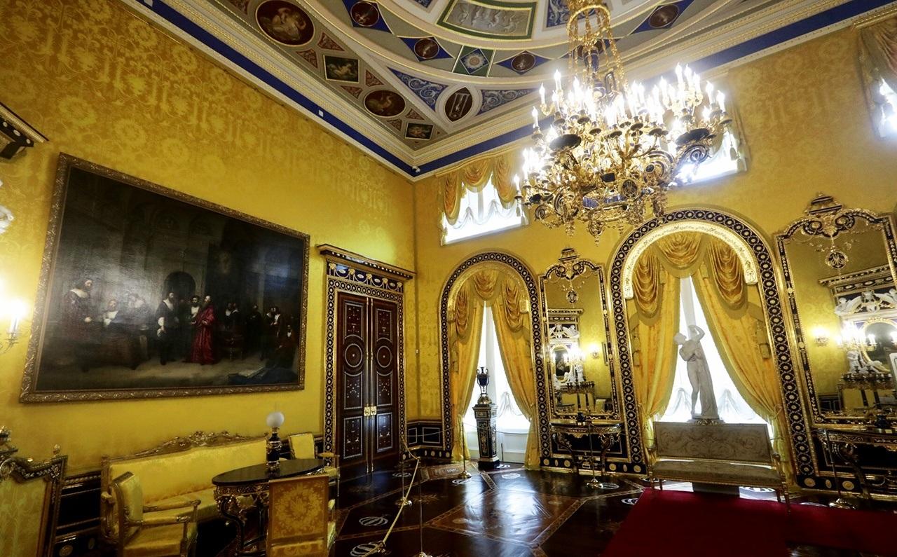 В Царском Селе отреставрировали Лионский зал