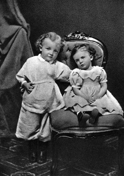 с сестрои ольгои 1874.jpg