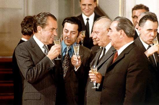 Р. Никсон и Л. Брежнев на совещании поОСВ, 1972.