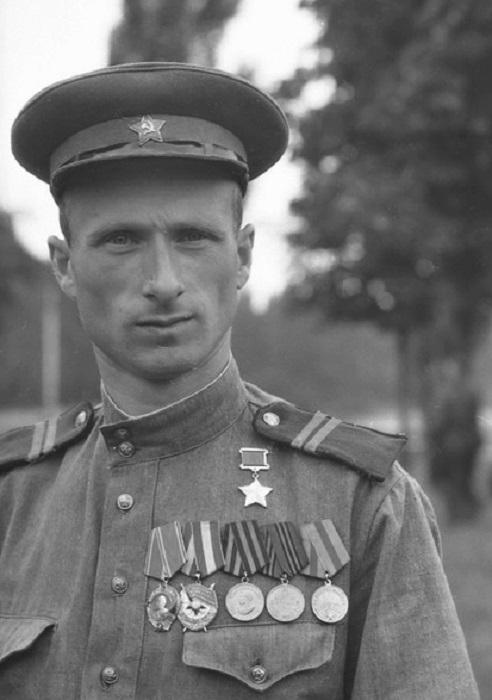 Мелитон Кантария: разведчик со знаменем Победы