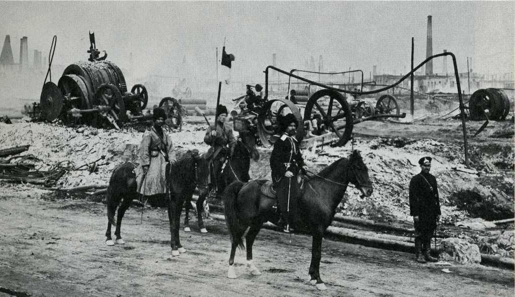 Cossack patrol near Baku oil fields 1905.jpg