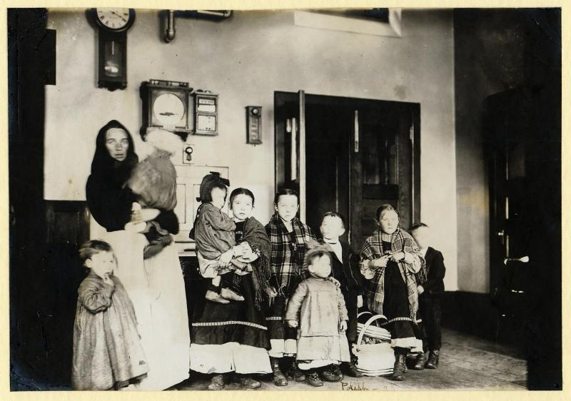 26 A Polish mother and her nine children.jpg
