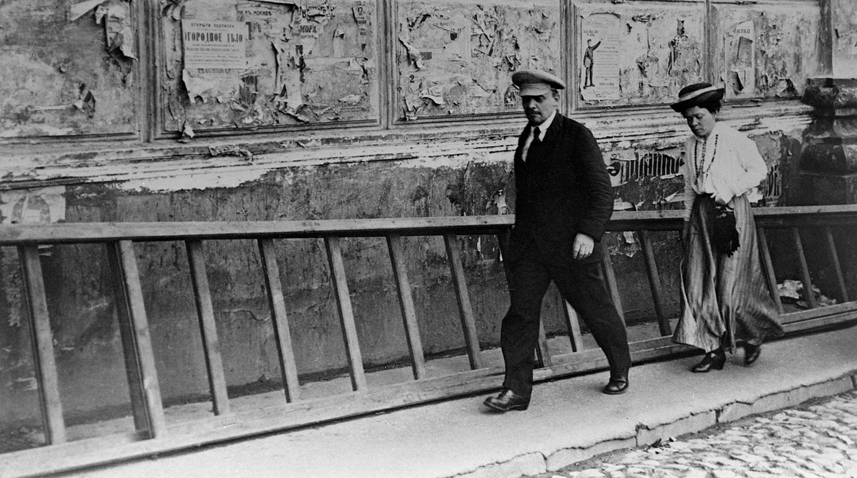 В. Ленин и М. Ульянова.