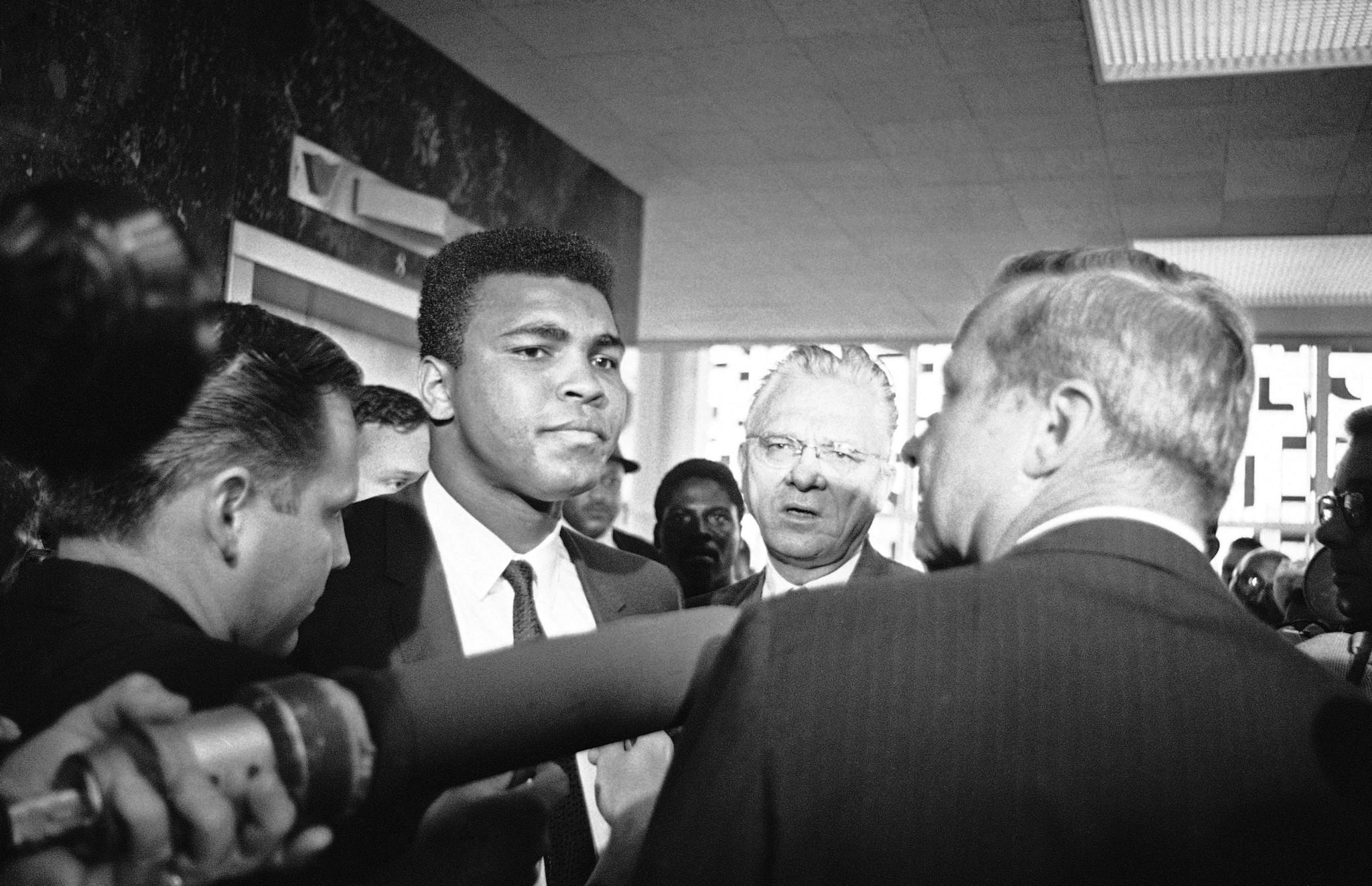 la-et-st-tca-muhammad-ali-fights-on-in-new-pbs-001.jpg