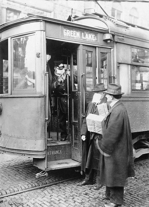 Пассажирам вход только в маске [США вовремя эпидемии испанки].