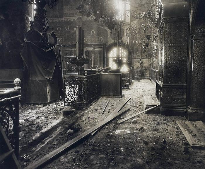 4 Интерьер Успенского собора.jpg