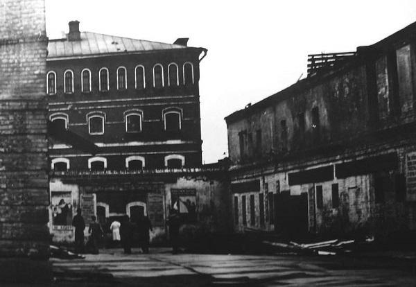 Внутренний двор Владимирской тюрьмы особого назначения. 1956 год.